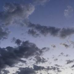 コロナに負けない/夕焼け大好き/夕焼け景色 日没 18:49 今日も一日お疲れ様 雲…(2枚目)