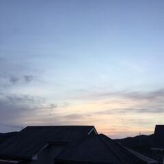 夕暮れ/夕焼け景色 日没 18:58 今日も一日お疲れ様💕 …