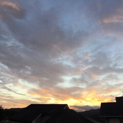 トワイライトタイム/定位置観察/いま空/今日の夕焼け/夕暮れ風景/夕焼け大好き 日没 19:06 今日も一日お疲れ様でし…(1枚目)