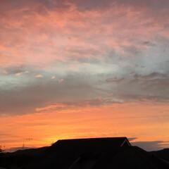 いま空/夕暮れ風景/夕焼け景色 日没 17:59 今日も一日お疲れ様でし…
