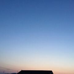 コロナに負けない/夕焼け景色/夕焼け大好き 日没 18:45 今日も一日お疲れ様💕 …