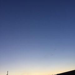 新月/夕焼け大好き/夕暮れ風景/今日の夕焼け 日没 17:21 今日も一日お疲れ様でし…