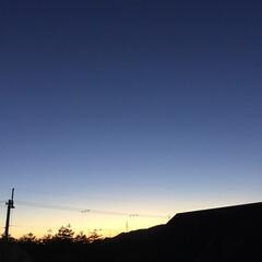 いま空/今日の夕焼け/夕暮れ風景/夕焼け大好き 日没 17:25 今日も一日お疲れ様でし…
