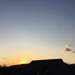 夕焼け風景/今日の空 今日一日お疲れ様でした❣️ 日没 18:…