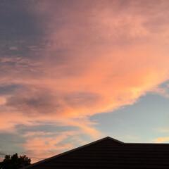 いま空/夕焼け大好き/夕暮れ風景/夕焼け雲 再掲💦 10分過ぎただけで 綺麗な夕焼け…