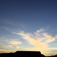 コロナに負けない/夕焼け大好き/夕焼け景色 日没 18:50 今日も一日お疲れ様💕 …
