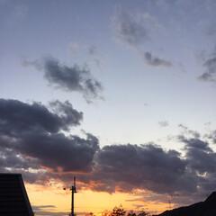 定点観測/いま空/夕暮れ風景/夕焼け大好き/今日の夕焼け 日没 17:03 今日も一日お疲れ様でし…