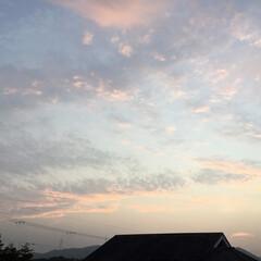 夕焼け大好き/夕焼け雲/夕暮れ時 日没 18:59 今日も一日お疲れ様でし…