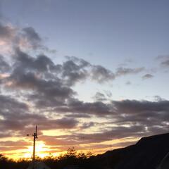 いま空/今日の夕焼け/夕暮れ風景/夕焼け大好き/定点観測 日没 16:51 今日も一日お疲れ様でし…(2枚目)