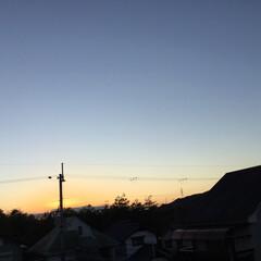 いま空/今日の夕焼け/夕暮れ風景/夕焼け大好き/定位置観測 日没 16:48 今日も一日お疲れ様でし…(2枚目)