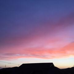 夕焼け雲/夕焼け 日没 19:17 今日も一日お疲れ様でし…