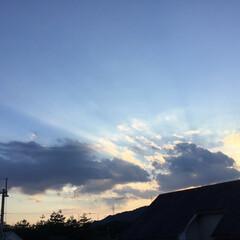 いま空/夕焼け大好き/夕暮れ風景/夕焼け雲 日没 18:46 今日も一日お疲れ様でし…