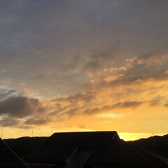 夕暮れ風景/今日の空/夕焼け景色 日没 19:13 今日も一日お疲れ様でし…