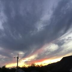 いま空/今日の夕焼け/夕暮れ風景/夕焼け大好き 日没 17:20 今日も一日お疲れ様でし…