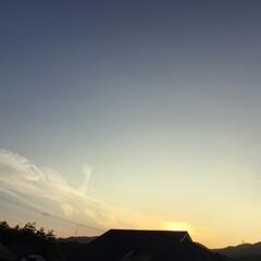 トワイライトタイム/定位置観察/いま空/今日の夕焼け/夕暮れ風景/夕焼け大好き 日没 19:02 今日も一日お疲れ様でし…(1枚目)