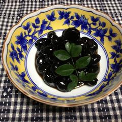 黒豆煮/丹波黒/のこり福 丹波黒 黒豆煮  残っていた黒豆を鉄鍋で…(1枚目)