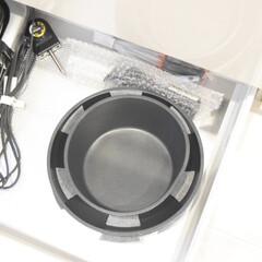 生活の知恵/収納/雑貨/節約/簡単/おしゃれ/... 鍋収納✨  使う頻度の低いお鍋は 1番下…
