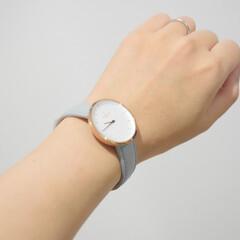 腕時計好き/腕時計収納/100均/節約/ダイソー/簡単/... 明日はこの腕時計を付けよう🥳  並べて腕…