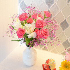 お気に入り/ケーラー/生花/花のある生活/花のある暮らし/花/... 何度見ても可愛い🥺💓  お気に入りの花瓶…
