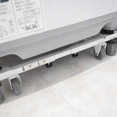平安伸銅工業 角パイプ洗濯機台 ホワイト DSW-151(洗濯機部品、アクセサリー)を使ったクチコミ「我が家の洗濯機置き台です🙌🏻  ジャッキ…」