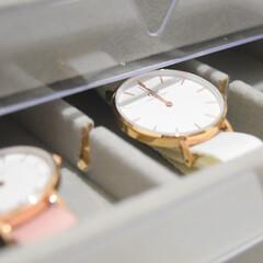 腕時計収納/100均/節約/無印良品/ダイソー/簡単/... ベルトが柔らかい腕時計だと 引き出しを開…