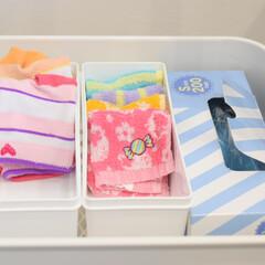 クリロン化成 おむつが臭わない袋BOSベビー用箱型 Sサイズ ピンク色 200枚(おしりふき、ウェットティッシュ)を使ったクチコミ「靴下収納  パッと見て色や柄が分かるから…」