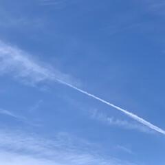 青空/今朝の空 連投失礼します🙇♂️  洗濯物を干して…(1枚目)