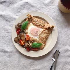 おうちカフェ/おうちごはん/朝ごはん/朝食/ガレット/LIMIAごはんクラブ/... 全粒粉ガレットの休日ブランチ。