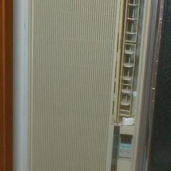DIY/暮らし/住まい/リフォーム/100均/ダイソー/... 某サイトでいただいた窓用エアコン結構黄ば…