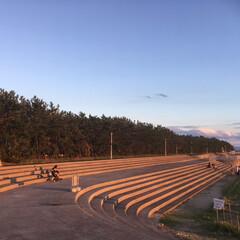 風景/令和元年フォト投稿キャンペーン 芦屋浜の夕日に染まる階段(1枚目)
