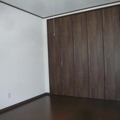 クローゼット/壁一面クローゼット 壁一面のクローゼット。 圧巻の建具と圧巻…