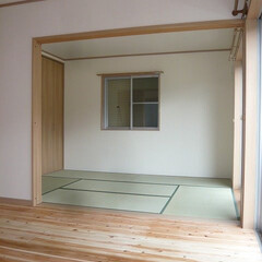 LDKと繋がる和室/建具を開けるとLDKと繋がる和室/子供とお昼寝できる和室/家事スペースとして使える和室 LDKと繋がる和室。 建具を開くと一体で…