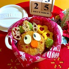 トナカイメンチ/クリスマス弁当/ロマネスコ/娘弁当/クリスマス2019/お弁当 冬休み初日のお弁当。 トナカイメンチ🦌 …