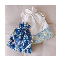 巾着/巾着ポーチ/ポーチ/リバティ/ミシン/ハンドメイド/... お花巾着𖧷 バッグの中の整理にぴったり!