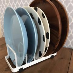 イッタラ ティーマ プレート21cm ライトブルー ケーキ・デザート皿 365786   イッタラ(皿)を使ったクチコミ「キッチンのDIY壁紙を北欧っぽい柄に変え…」