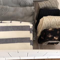 IKEA イケア ELLY キッチン クロス ホワイト ブルー 4枚セット 20172444 | イケア(その他キッチン、日用品、文具)を使ったクチコミ「【靴下収納アイデア】  セリアのハンカチ…」