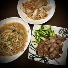 野菜がない/ホルモン炒め/サイコロステーキ/晩ご飯/料理/おうちごはん 今日の晩ご飯 は、 肉のオンパレート…