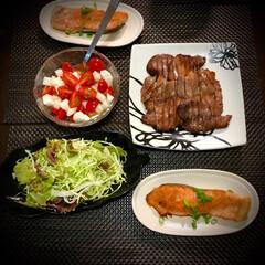 長芋/牛タン/鮭のムニエル/晩ご飯/料理/おうちごはん 今日の晩ご飯 は、 ✴︎鮭のムニエル …