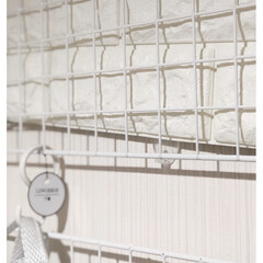 ランドリー収納/洗濯機周り/洗濯アイテム/突っ張り棒/ワイヤーネット/突っ張り棚/... アイデアにかくほどではないコード類の目隠…(4枚目)