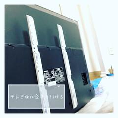 スタープラチナ TVセッターフリースタイル M/Lサイズ 角度調節機能付 スチール・プラスチック製 ホワイト TVSADVA126LW | スタープラチナ(壁掛け金具)を使ったクチコミ「アイデアにもちょこちょこ出てくる壁掛けテ…」(7枚目)