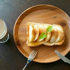 シナモンシュガー/もも/トースト お昼ごはん 桃の季節ですね🎵