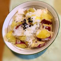 秋の実り/甘いもの/LIMIAファン/おうちご飯/ふたりご飯/さつまいもご飯/... 今夜のごはんです。     #さつまいも…
