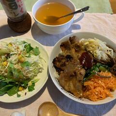 LIMIAファン/紀文/ハロウィン🎃/チーチク/さつまいも餡のたい焼き/たい焼き/... 本日の夕ごはん  ビビンバ丼 サラダ🥗 …