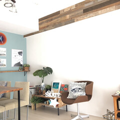 SundayDIYer/DIY/西海岸スタイル/インテリア/はじめてフォト投稿/雑貨/... リビングです🤙壁はDIYでペイントして、…