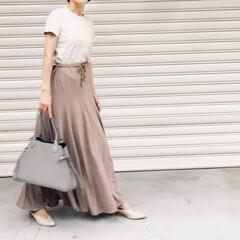 ユニクロTシャツ/ユニクロコーデ/Tシャツ/おしゃれ/夏ファッション/ユニクロ/... ユニクロの神Tシャツ 同系色のスカート、…