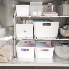 IKEA収納/IKEA/タッパー収納/収納/キッチン収納/無印良品 シンク下収納✨ IKEA、無印良品のケー…