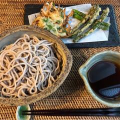 水菜/見切り品/アスパラ/ざる蕎麦/天ぷら/至福のひととき/... 晩ごはん(๑˃̵ᴗ˂̵)✨  水菜と玉ね…