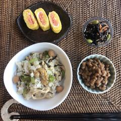 卵焼き/たらこ/カブの葉/朝ごはん/至福のひととき/LIMIAごはんクラブ/... 朝ごはん(๑˃̵ᴗ˂̵)✨ . 卵と納豆…