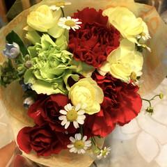 旦那様/夫婦/花束/結婚記念日ギフト/フォロー大歓迎 結婚記念日に主人がくれたお花です。って、…