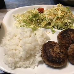 夕飯のおかず/夕飯/ハンバーグの素/ハンバーグ/おうちごはん 今夜はみんな大好きハンバーグ!!最近手抜…